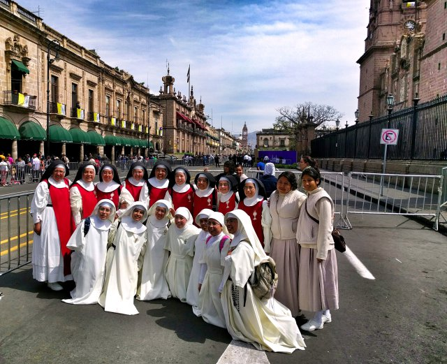 POPE MORELIA NUNS