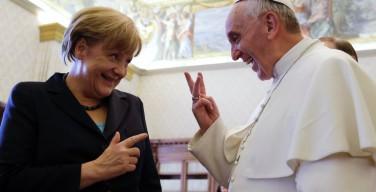 Представители Ватикана и правительства Германии опровергают информацию о звонке Ангелы Меркель Папе