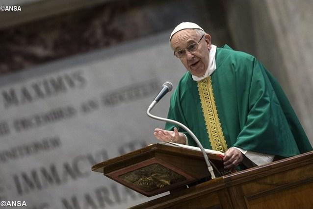 Папа: исповедальня – не для осуждения, а для прощения