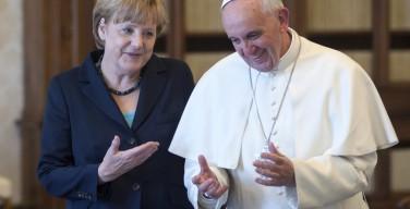 СМИ: Папа объяснил Ангеле Меркель свои слова при сравнении Европы с «бесплодной женщиной»