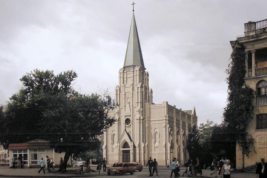 Историческое здание костела в Севастополе: кинотеатр вместо храма?