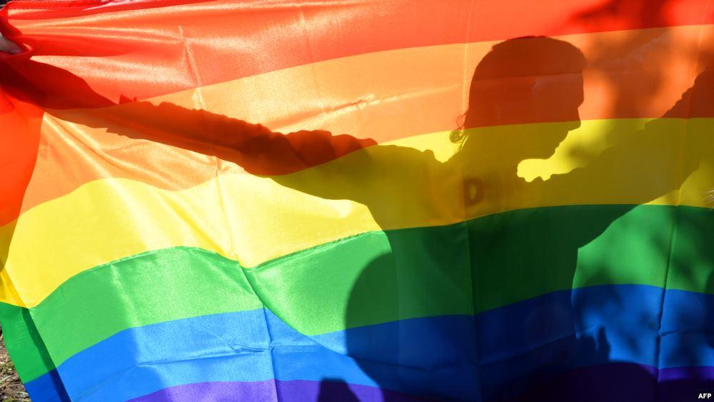 Порошенко просят не допустить легализации гей-«браков»