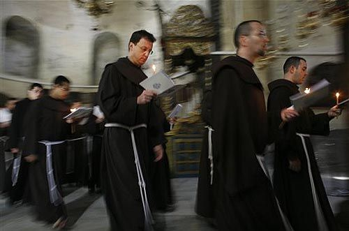 Юбилей Милосердия: число желающих исповедаться в базилике св. Петра не сокращается