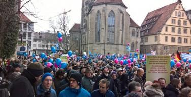 Германия: в Штутгарте протестовали против школьных уроков о «сексуальном разнообразии»