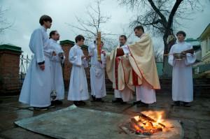 Благословение нового огня в католическом приходе г. Томска