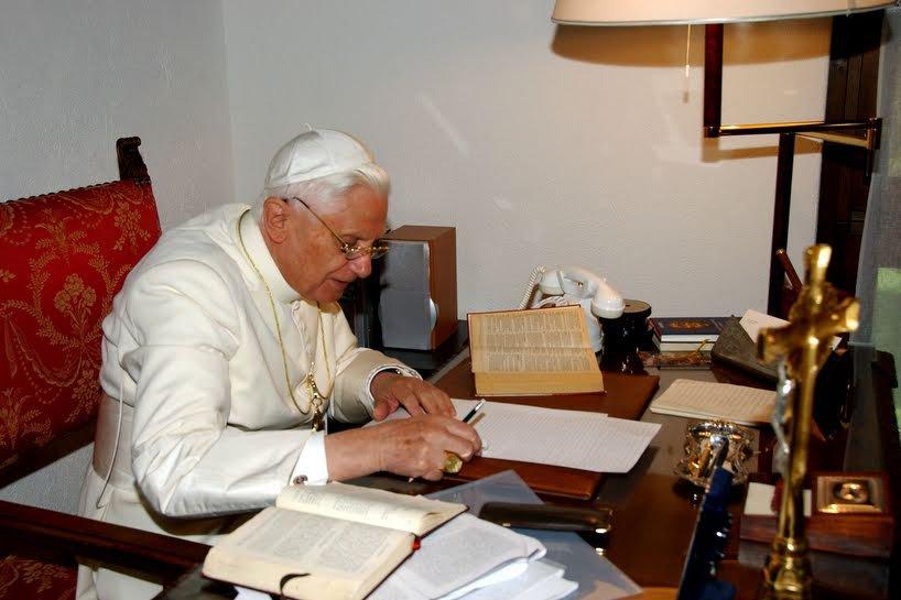 Бенедикт XVI о главной линии понтификата Папы Франциска