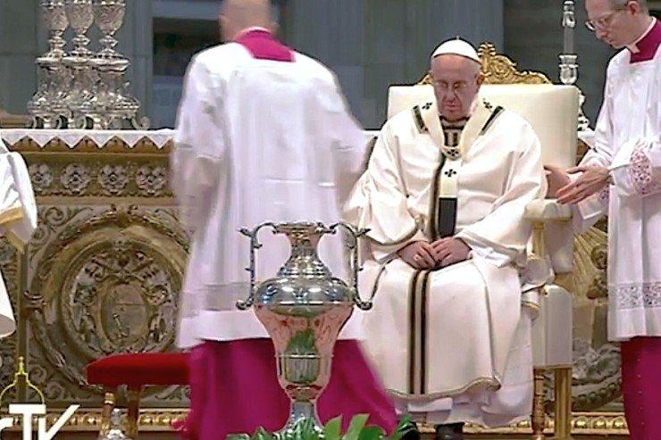 Папа на Мессе освящения елея: милосердие — это встреча и прощение