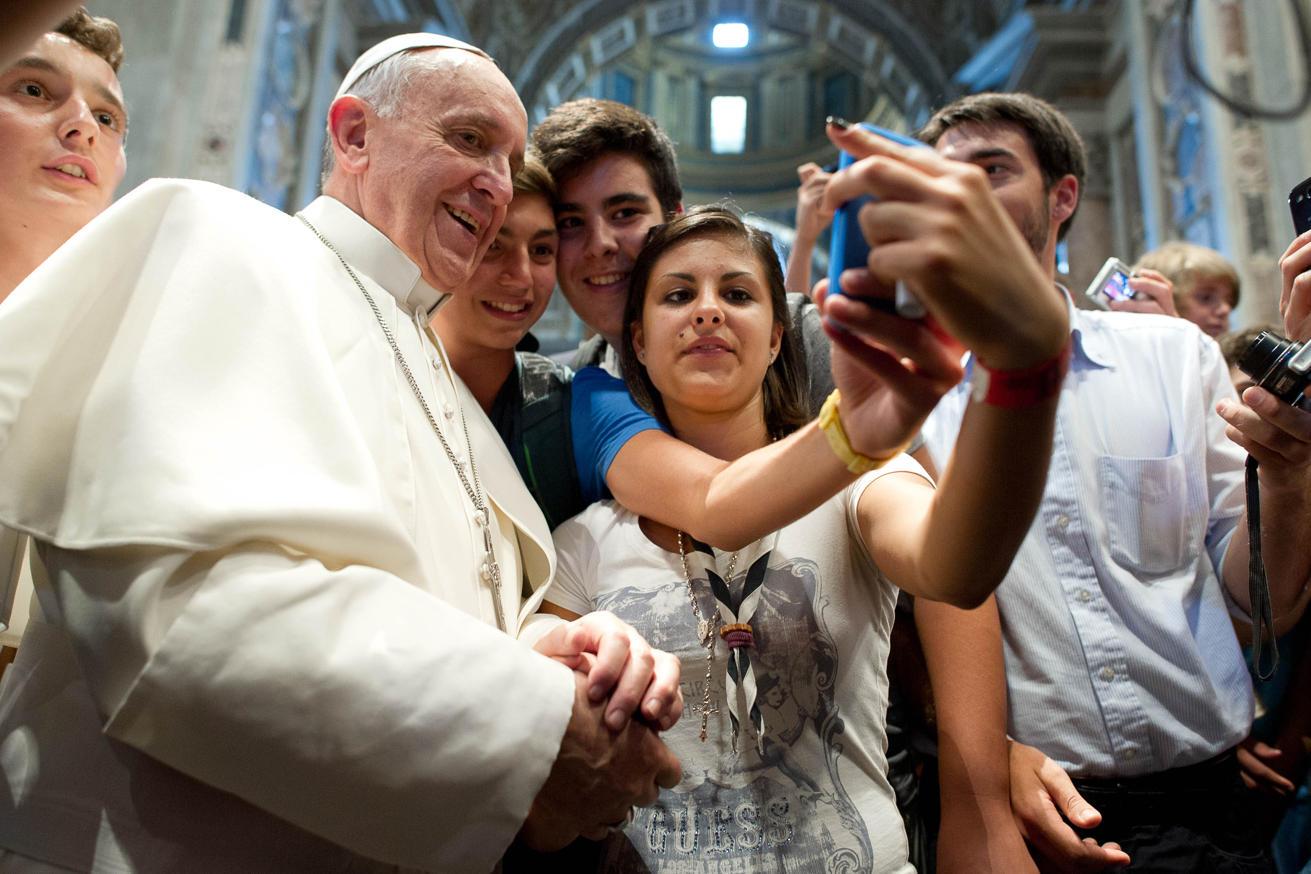 Папа Франциск заведет собственный аккаунт в Instagram