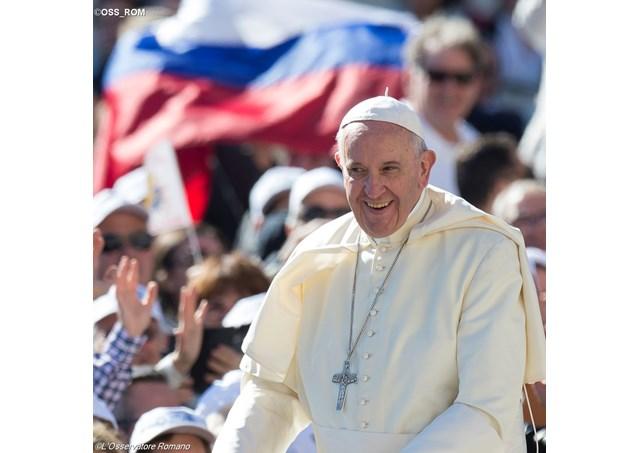 Папа приветствовал паломников из России