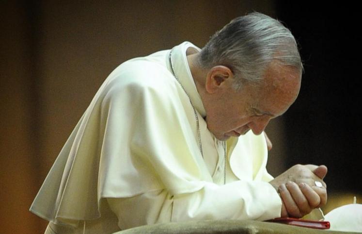 Папа Франциск попросил у беженцев прощения за закрытость и равнодушие общества
