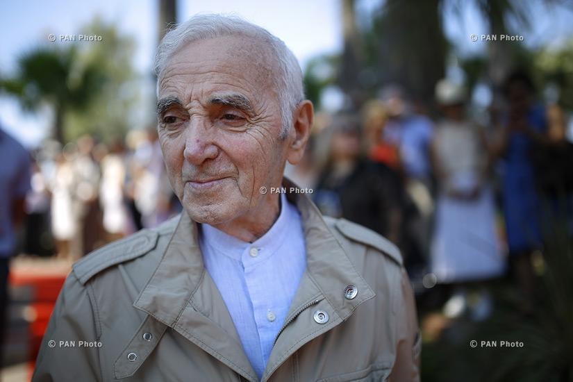 Шарль Азнавур и Джордж Клуни почтили память убитых армян