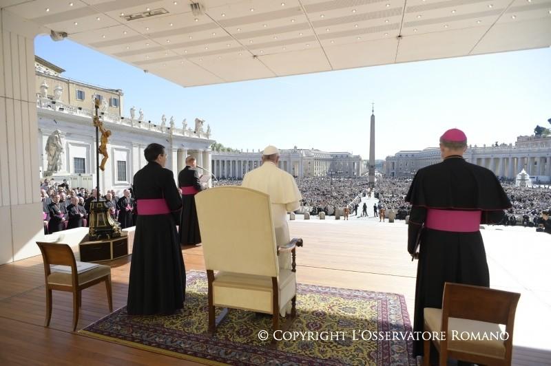 Папа Франциск напомнил о сборе пожертвований 24 апреля для Украины