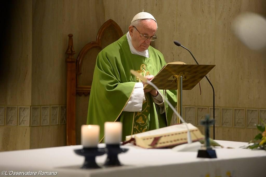 Папа: относиться к грешникам с пониманием, но никогда не преуменьшать истину