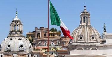Католики и оппозиция Италии выступают против закона об однополых союзах