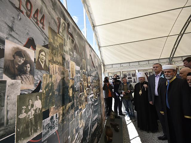 В Крыму вознесли молитвы и совершили панихиды по погибшим в годы депортации