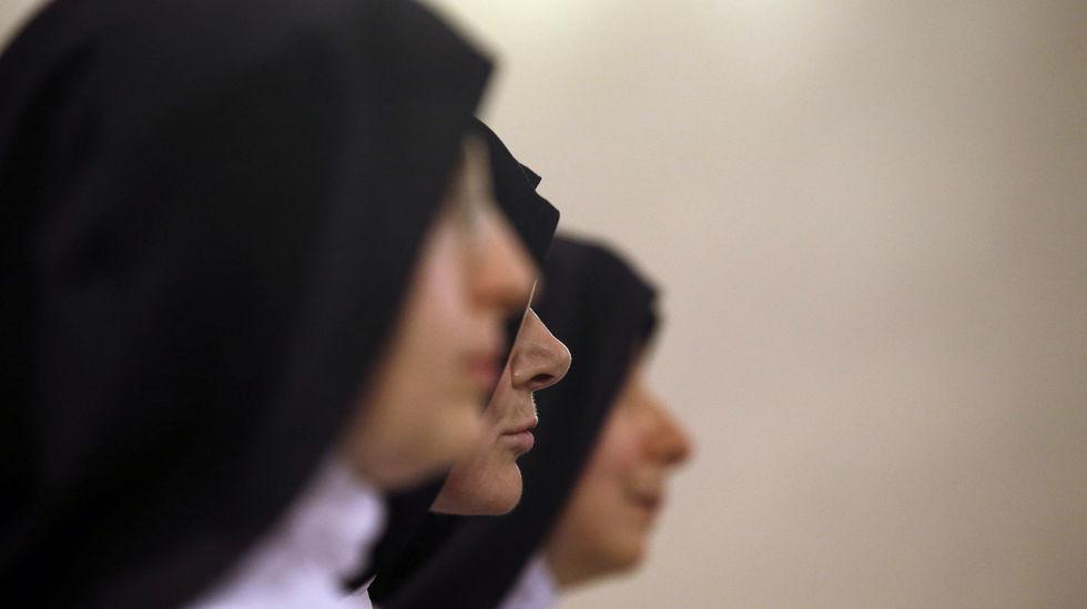 В Ватикане проходит международный форум монахинь