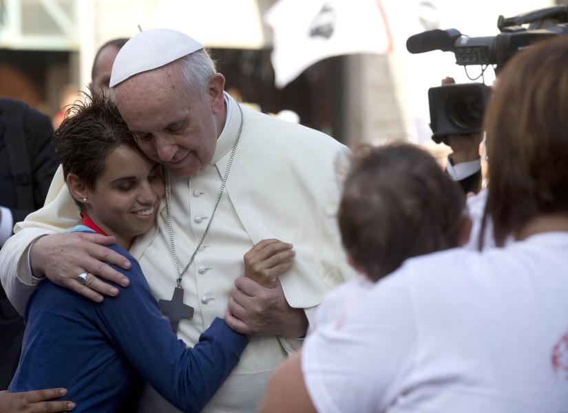 Папа Франциск призывает молиться о том, чтобы во всем мире уважали женщин и ценили их вклад