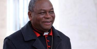 Неизвестные боевики обстреляли машину, в которой ехал глава католиков Нигерии