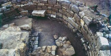 СМИ: в Греции найдена могила Аристотеля