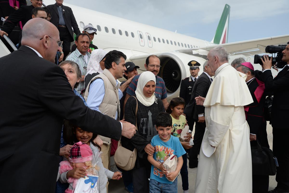 Ватикан принял еще девять сирийских беженцев с Лесбоса