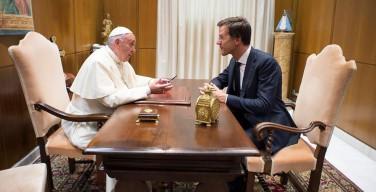 Папа обсудил с премьер-министром Нидерландов положение мигрантов