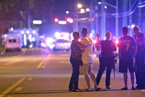 160612-orlando-nightclub-shootings-mn-0800_133a44c21926a9e9d50d0b1138e40586.nbcnews-ux-2880-1000-600x400