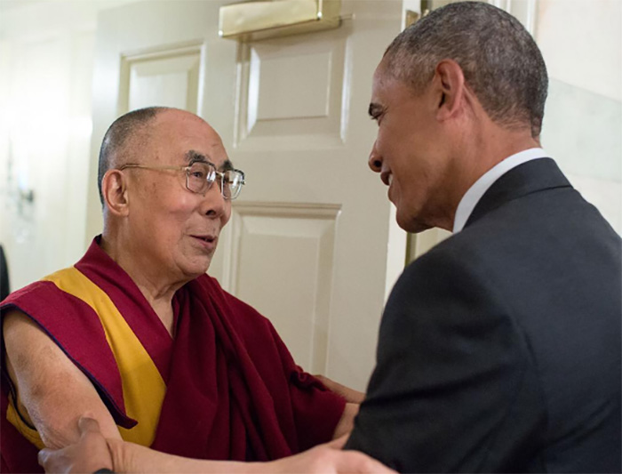 Обама принял в Белом доме Далай-ламу