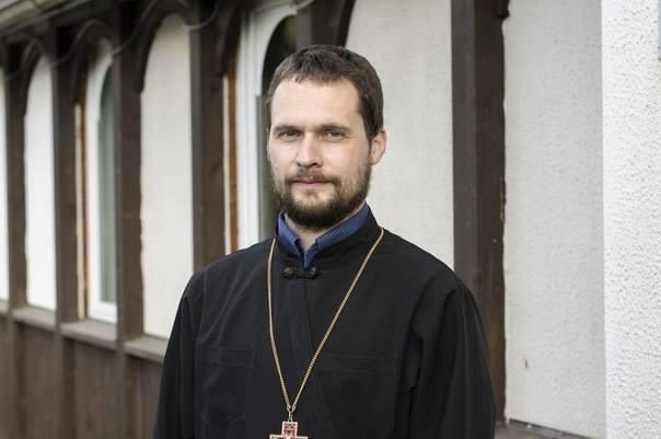 Греко-католический священник: Я буду преступником, если побью гея, но если он будет проповедовать в Церкви, я выброшу его