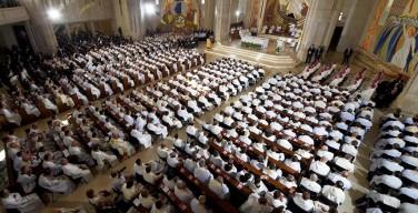 Папа: священники должны искать нуждающихся, а не власть