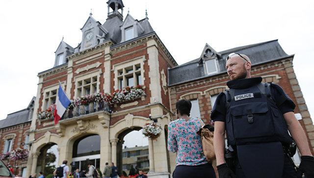 Духовенство во Франции требует усилить безопасность церквей и мечетей
