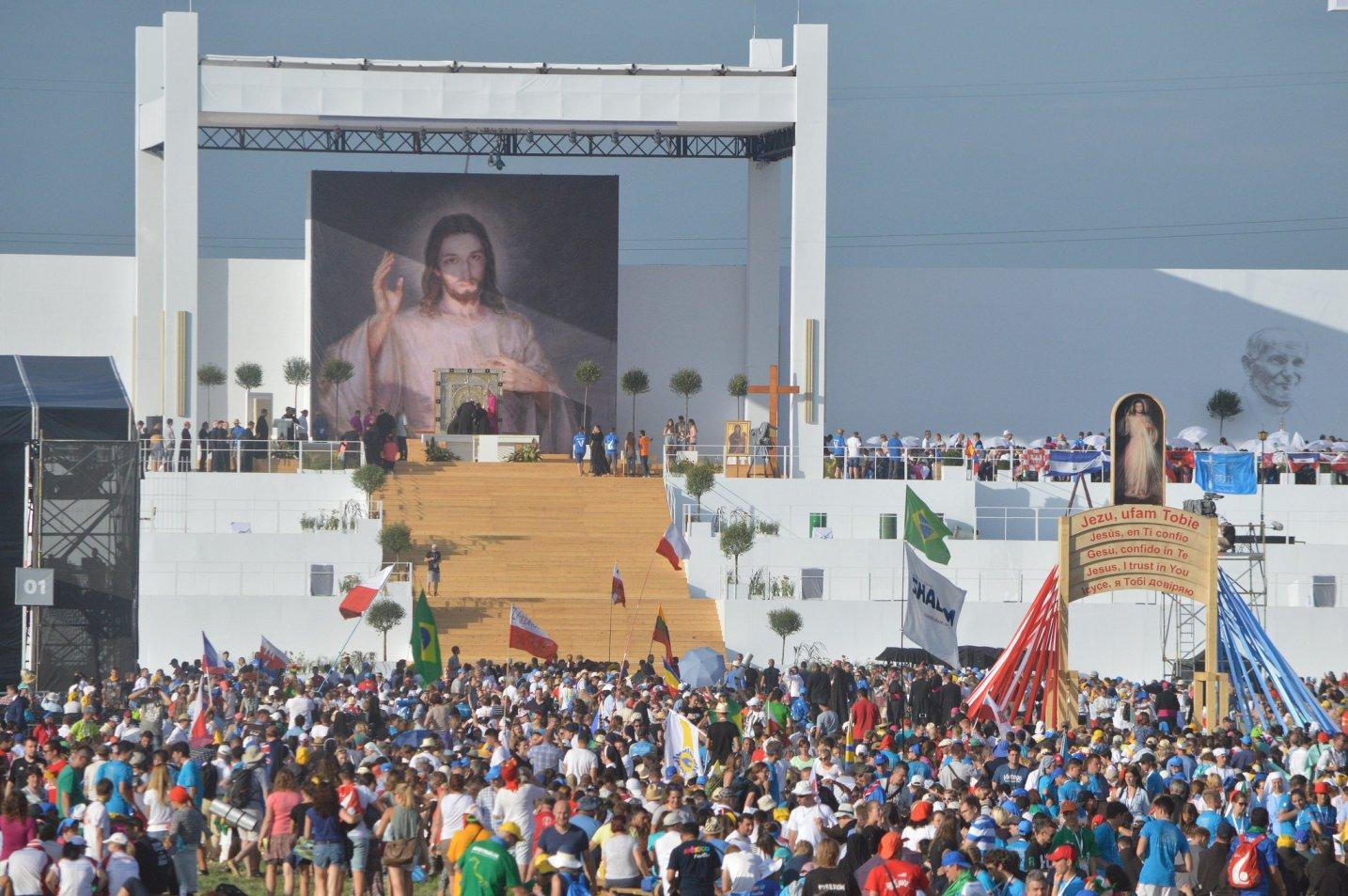 Папа — молодёжи: мы пришли в этот мир, чтобы его изменить