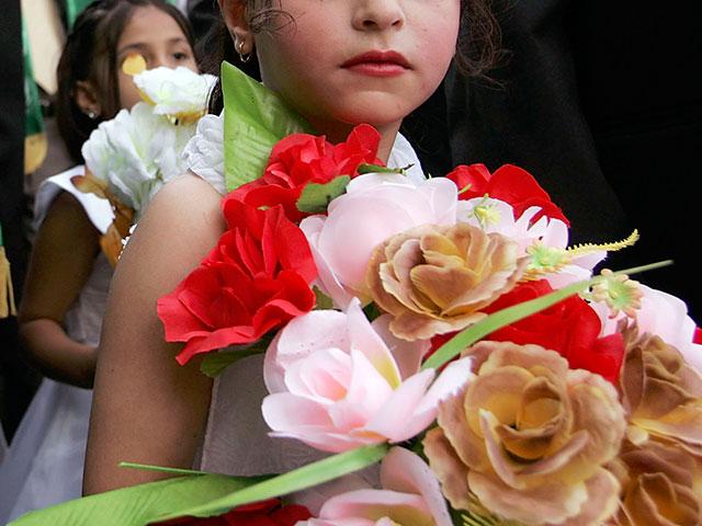СМИ: в Египте 12-летнюю девочку выдали замуж за 10-летнего мальчика