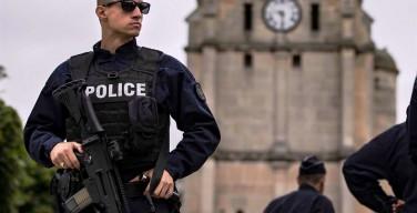 Места религиозного культа в Бельгии после теракта в церкви Нормандии обеспечены усиленной охраной