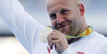 Призер Олимпиады продает медаль, чтобы помочь онкобольному ребенку