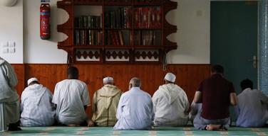 Олланд против государственного финансирования мечетей
