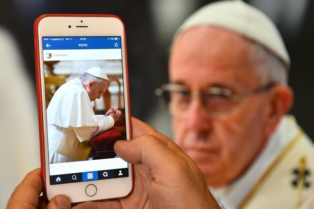 Instagram Папы Франциска: более 3 миллионов подписчиков