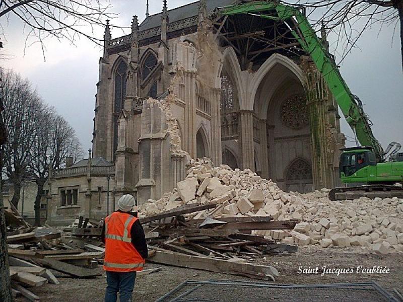 Реконструкция культурного ландшафта — 2800 церквей исчезнут в ближайшее время во Франции