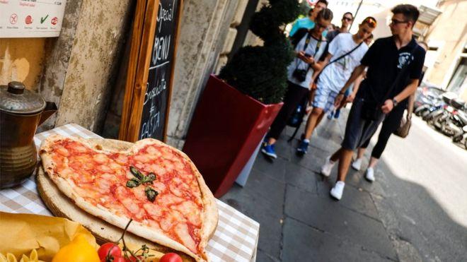 В Италии законодательно стимулируют жертвовать, а не выбрасывать еду