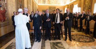 Папа: религии должны защищать жизнь
