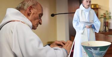 Понтифик помолится за убитого исламистами священника