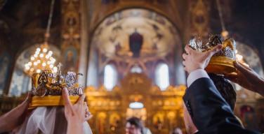В России впервые после 1917 года зарегистрировали брак в храме