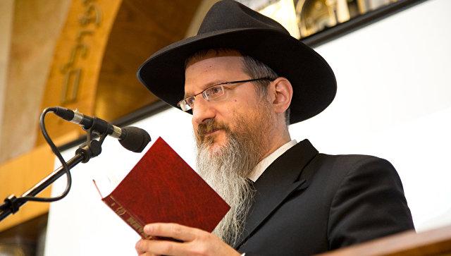 Иудеи молятся о скорейшем выздоровлении охранника, преградившего путь экстремисту