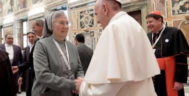 Папа: нельзя подходить поверхностно к учреждению новых монашеских институтов