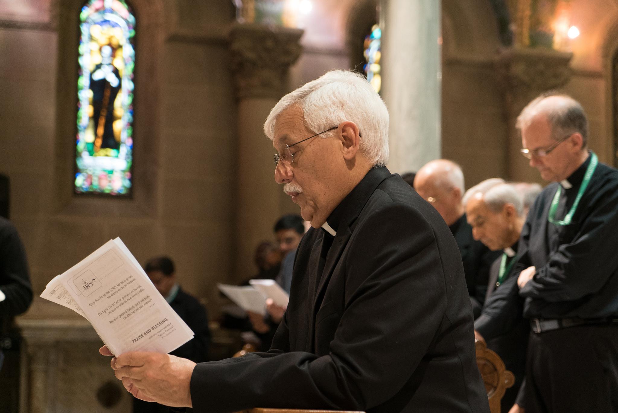 Три видео-свидетельства об избрании нового Генерального настоятеля Ордена иезуитов