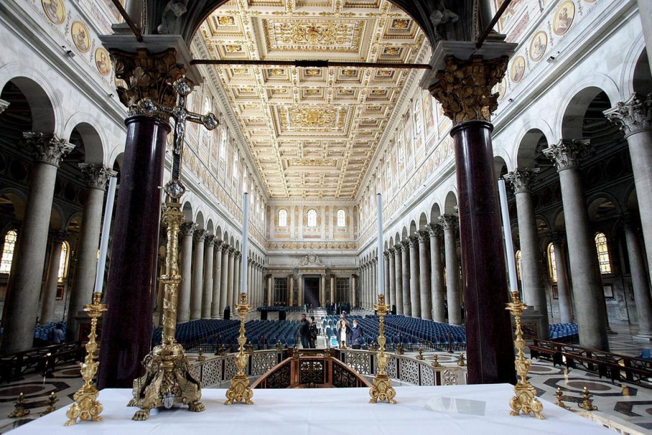 Собор святого Павла (вне стен) в Риме закрыт из-за повреждений после землетрясения