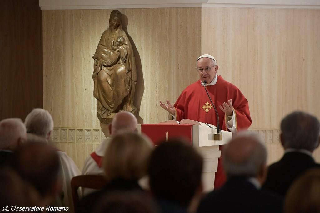 Папа: в момент испытаний и горестей добрый пастырь не одинок
