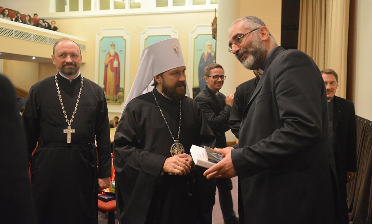 Председатель ОВЦС встретился с группой профессоров и учащихся иезуитских школ Италии