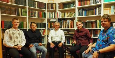 Возобновила работу предсеминария в Новосибирске