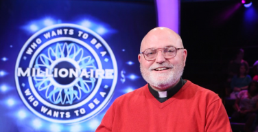 Американский священник пожертвует 250 тысяч долларов, выигранные в шоу «Кто хочет стать миллионером»