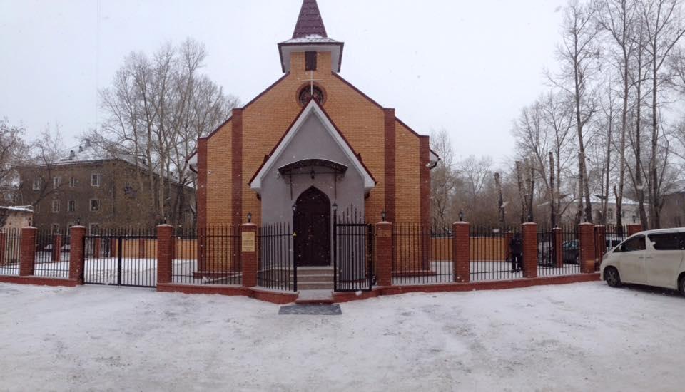 Католический храм на месте бывшего продуктового магазина